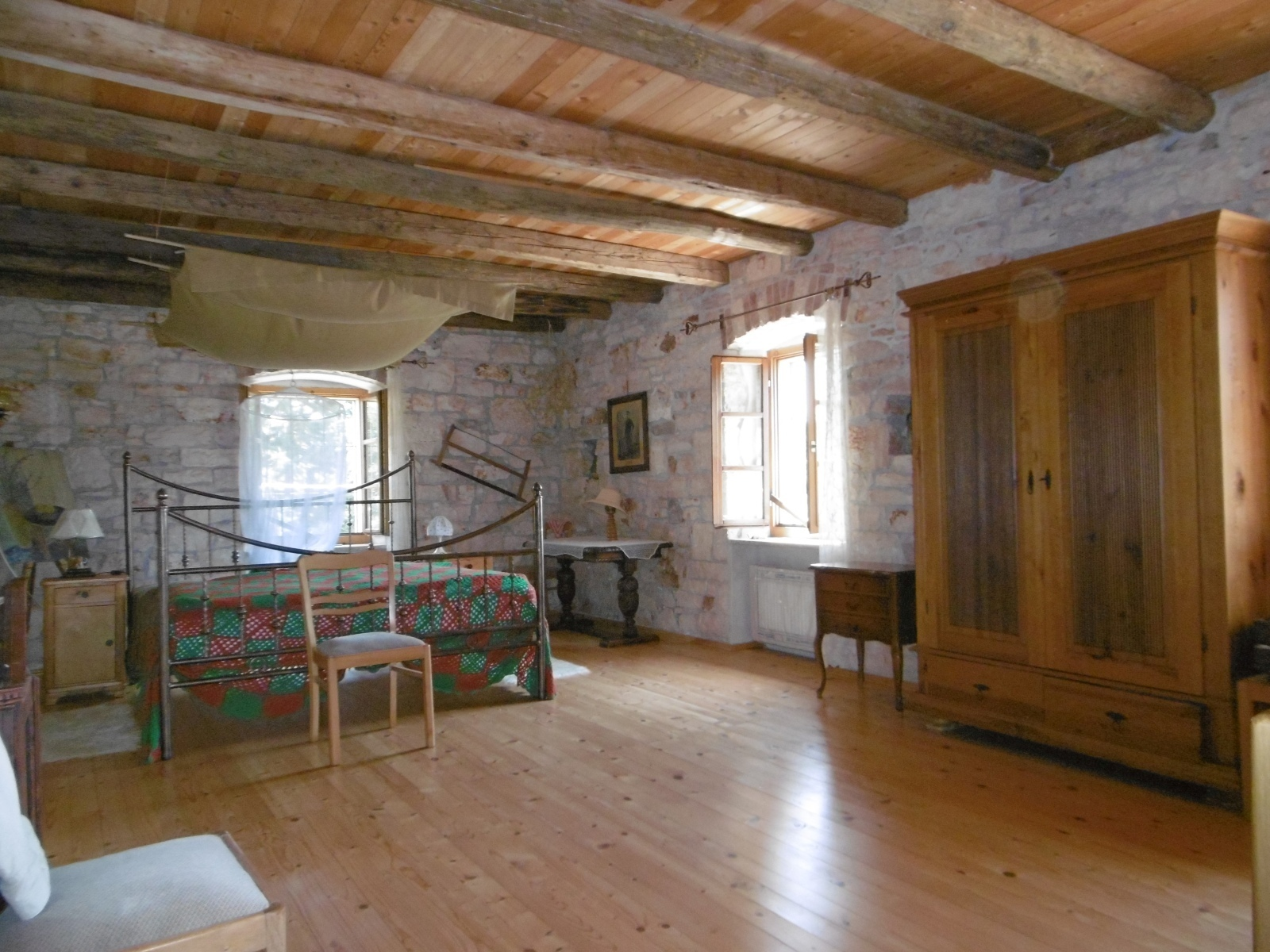 Z-725 Very nice, detached stonehouse in a solitary position with ...