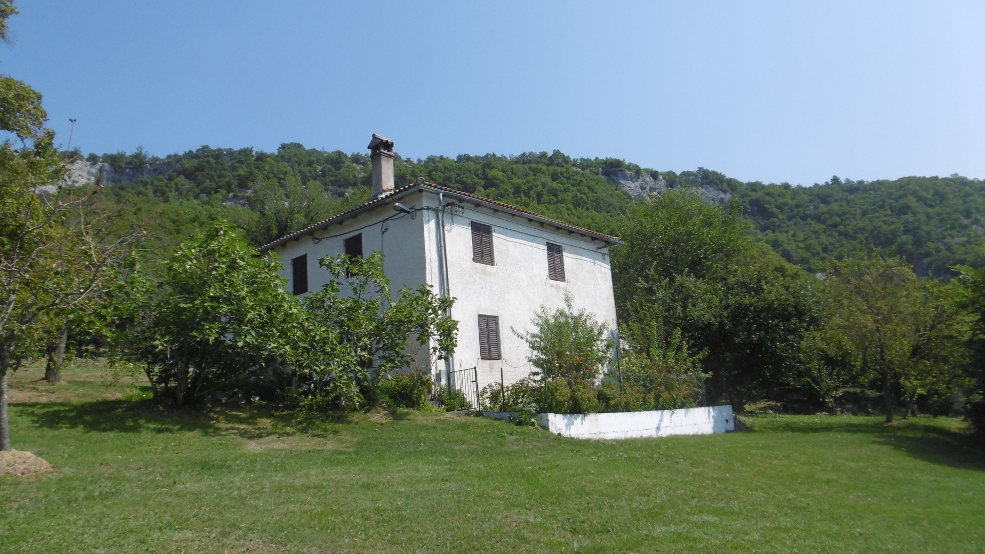 O-916 detached stone houses with 4.000 m² building land and panoramic views